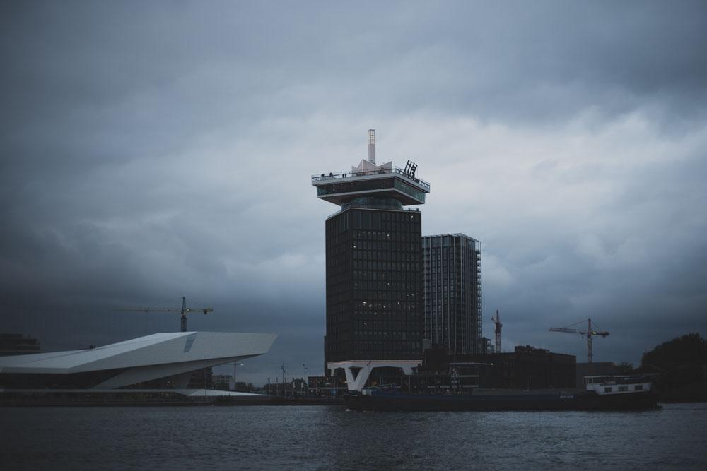 Während der Überfahrt zur NDSM-Werft